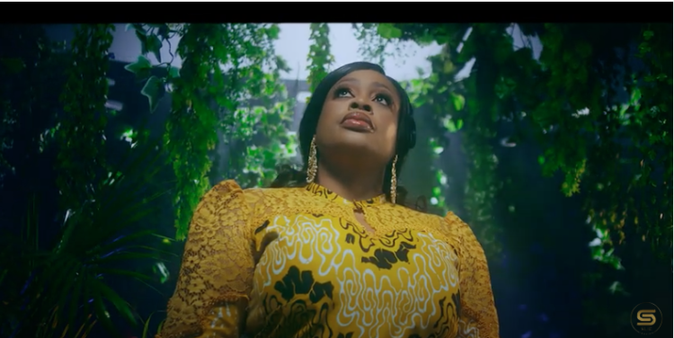 """SINACH drops Visuals for """"Greatest Lord"""" - Watch!"""